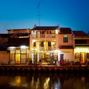 Wayfarer Guest House, view from river side