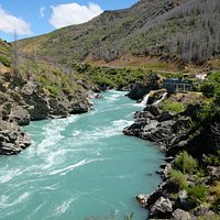 Fast flowing current