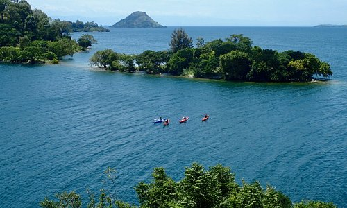 Easter Breakaway  Spend 4 days and 3 nights on the beautiful shores Lake Kivu Accommodation on half board basis (dinner & breakfast)   Tour the city of Gisenyi, free boatride  1 sea kayaking (hour and a half)  Based on 2 persons/ 2019  The Kivu Serena Hotel: Net price per person in a double	US$ 1,395  Paradise Kivu Resort: Net price per person in a double	US$ 1,170  Paradis Malahide:  Net price per person in a double	US$ 1,060  Valid from  19th to  22nd April 2019