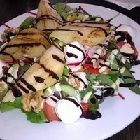 Great Pear, walnut and goats cheese salad