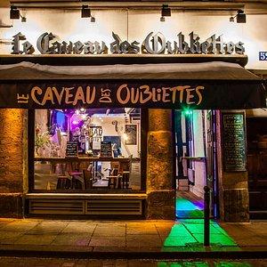Le Caveau des Oubliettes, Bar, Live music, Façade.