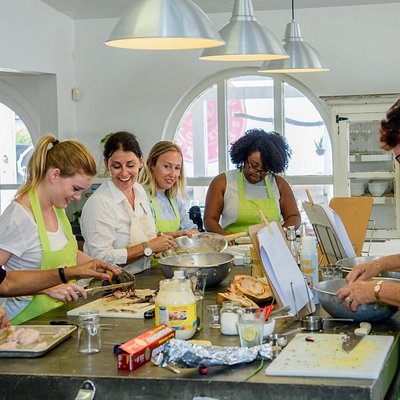 Caribbean cooking class on Curacao with chef Helmi Smeulders