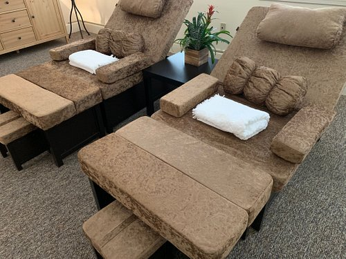 Very relaxing and comfortable Foot Reflexology chairs that you just melt into and forget about life for a while.