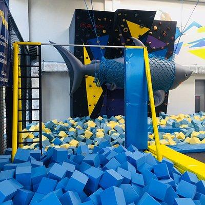 Drążek gimnastyczny nową atrakcją Parku Jump Hall.