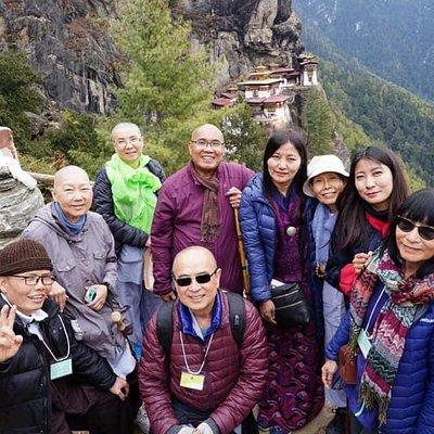 Enroute to Taktsang Goenba ( Tiger's Nest Monastery)