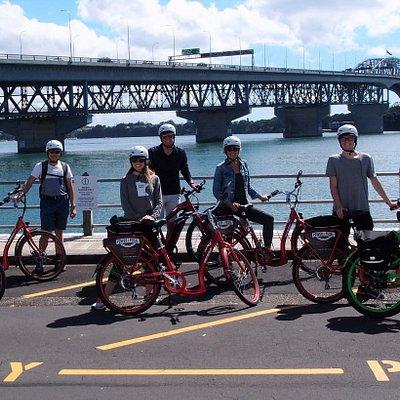 Fun in the sun at Auckland Harbour Bridge