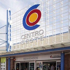 Entrada Centro Comercial Centro Oeste
