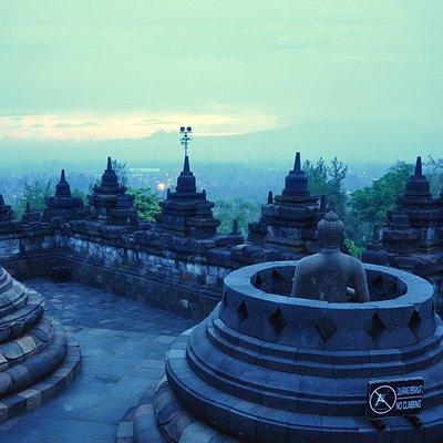 Sang  Budha dipagi hari