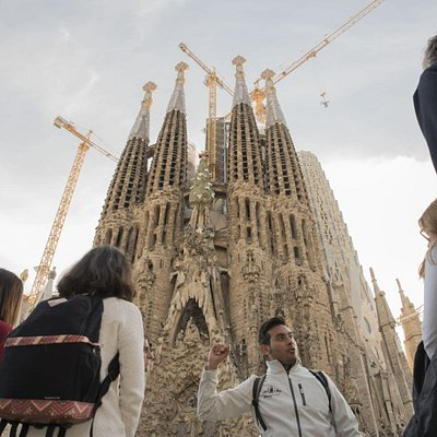 Discover the best of Barcelona with the best!
