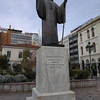 Statue of Damaskinos Papandreou