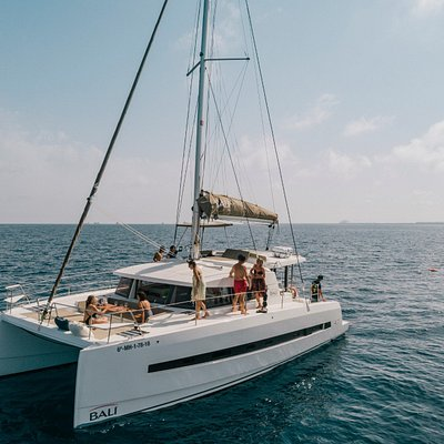 BBQ in a catamaran? Business event. private experience, trip to Sitges, .... whatever you want is posible with us
