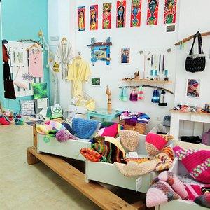 Las Lisartes - Handicraftshop & Art Gallery  (Unique clothing, accessories, homewear, paintings)