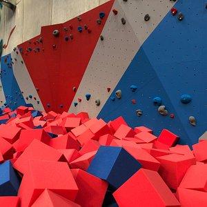 Speed climb wall