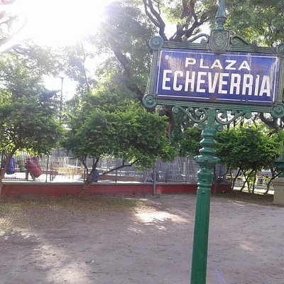 Plaza Echeverrìa: Barrio Villa Urquiza- Bs. As, 2019.