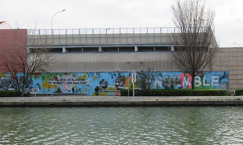 La fresque vue de l'autre rive