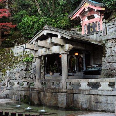 清水寺の開創の地でもある