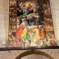 Il portale, l'edicola, il crocifisso