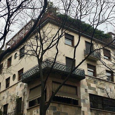 Milano, Casa Corbellini-Wasserman: esterno