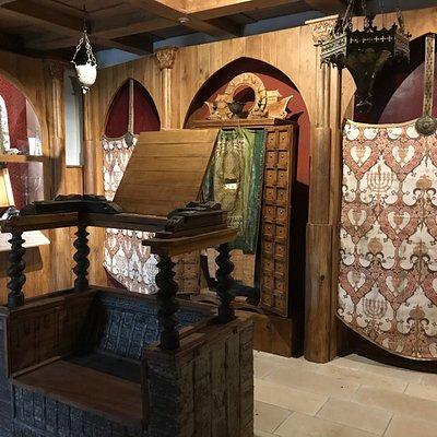 Interno del Museo con ricostruzione della Sinagoga