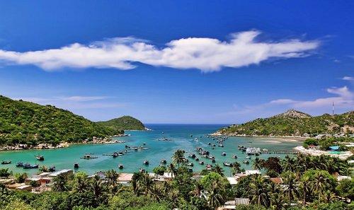 A view to Vinh Hy Bay