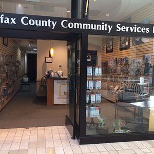 This is a WONDERFUL Visitor's Center. Located in the mall near the public lavatories, make it a point to stop here. The employee I encountered is friendly and helpful. I left with so much information and the desire to return to Virginia soon.