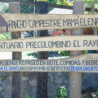 Un Rancho Campestre Mamá Elena y mucho más. Kayak, natación, comida y bebidas.