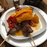 skewered filet mignon with peppers
