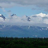 Mt Foraker und Mt Hunter (South Peak und North Peak) vom Denali Viewpoint South