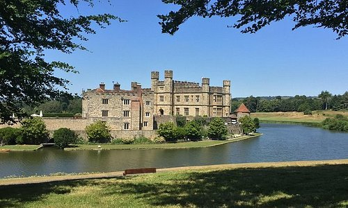 Private Day Trip to Beautiful Leeds Castle, Kent, England