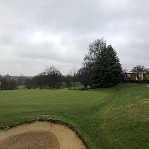 Just 5 miles from central London. Established top quality golf course. Round in less than 3 and a half hours.