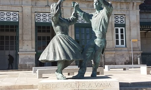 Escultura Vira Maria, Vira Manel