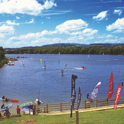 Check out our beautiful lake set in Mercers Park Surrey. We offer parties, tasters, tuition and experiences in Sailing, Paddleboarding, Kayaking, Canoeing and Windsurfing for all ages.