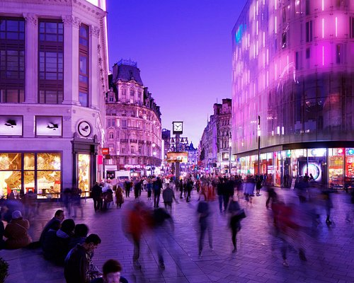 Leicester Square, Swiss Court, North Terrace