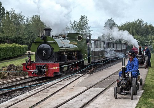 Giant Miniature at Statfold Barn Railway