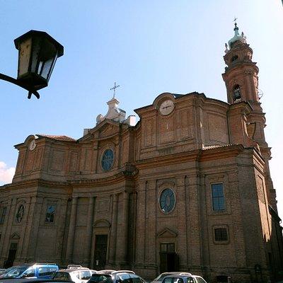 L'imponente Duomo di Carignano - 01
