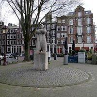 kadijksplein (the square)