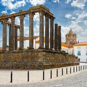 Evora Cultural Experience - Roman Temple - Templo Romano