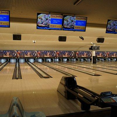 20 Bowlingbahnen