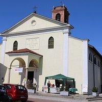 L'esterno anonimo della chiesa