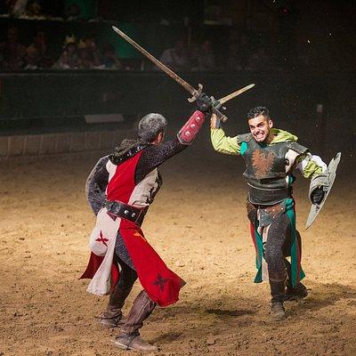 Cena-espectáculo Desafío Medieval