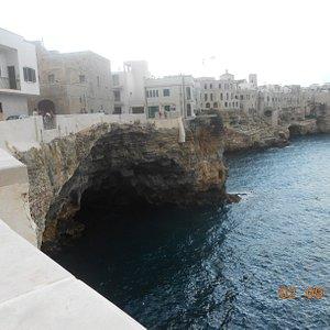 Grotta Ardito - da punto panoramico Polignano a mare