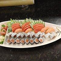 combinado kobe 32 peças + uma dupla de gunka joe..simplismente delicioso!!!