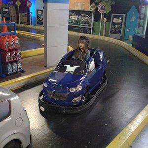 En la pista de carros. Para entrar a esta actividad, primero se debe tramitar la Licencia de Conducción