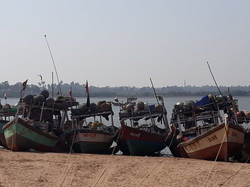 boats at Marve Beach
