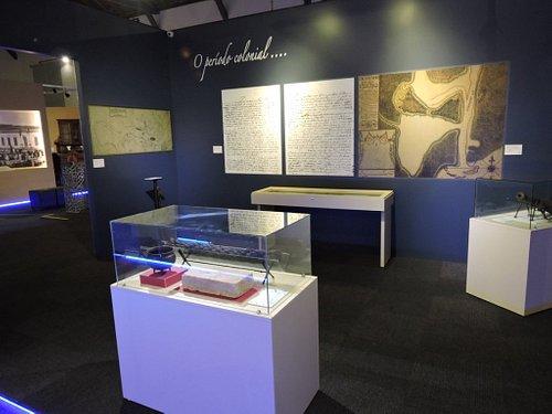 Um dos ambientes do museu, que conta a história da fundação da cidade, no século XVIII.