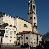Lato della chiesa e campanile