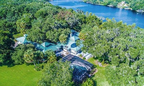 Aerial view of the full property on the Alafia River.