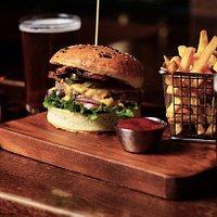 Classic MacLaren's Cheeseburger