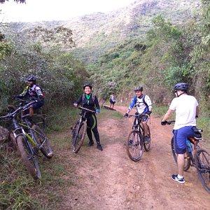 Trocha hacia el Cerro de las Tres Cruces, pasando por la reserva natural Bataclán