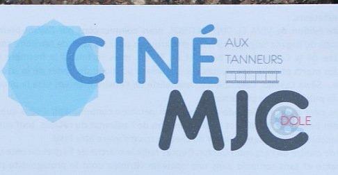 je confirme que les films « Arts et essais » se trouvent bel et bien au cinéma les tanneurs, 12 rue du 21 janvier (Pas loin de l'office de tourisme)